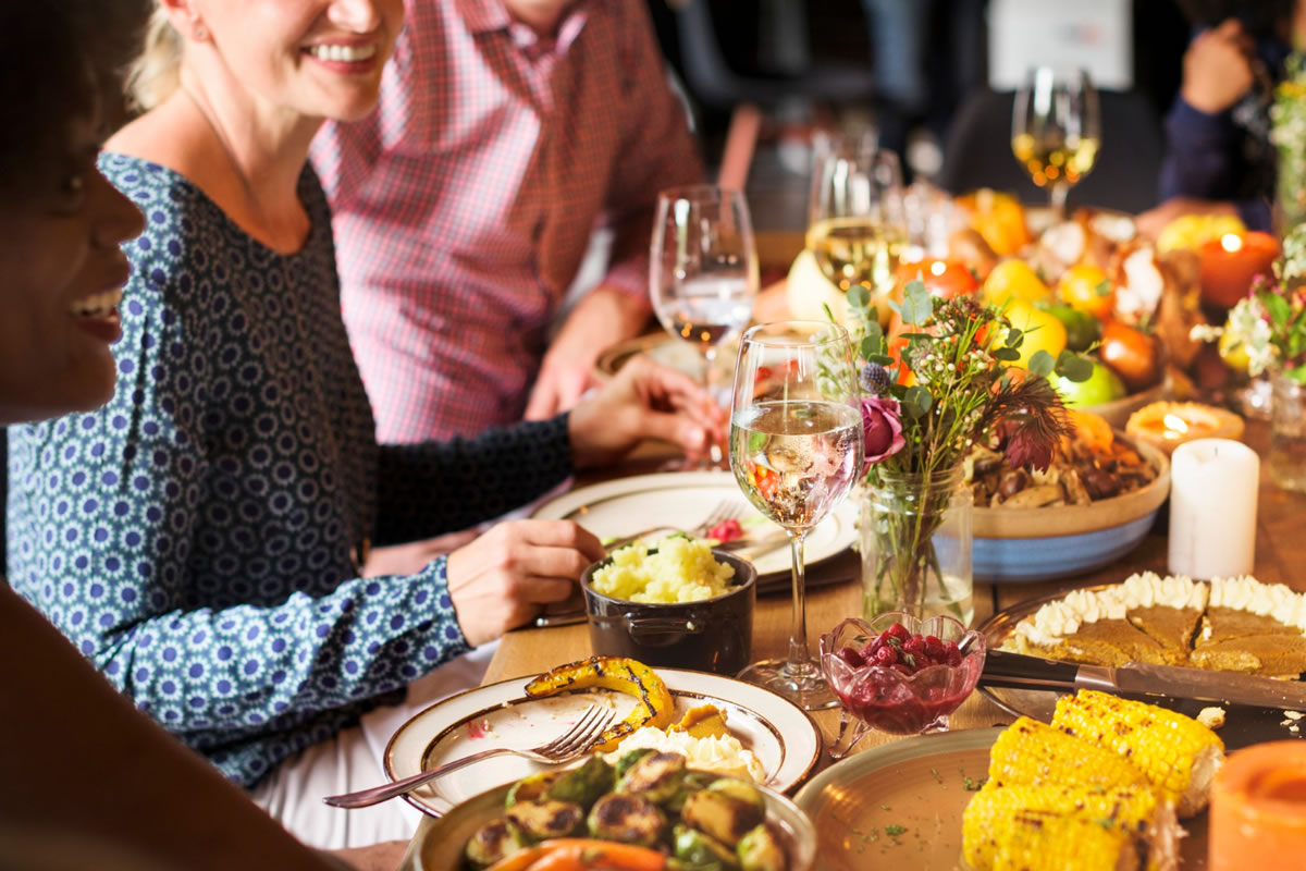 Five Tips to Host a Dinner Party in Your Apartment